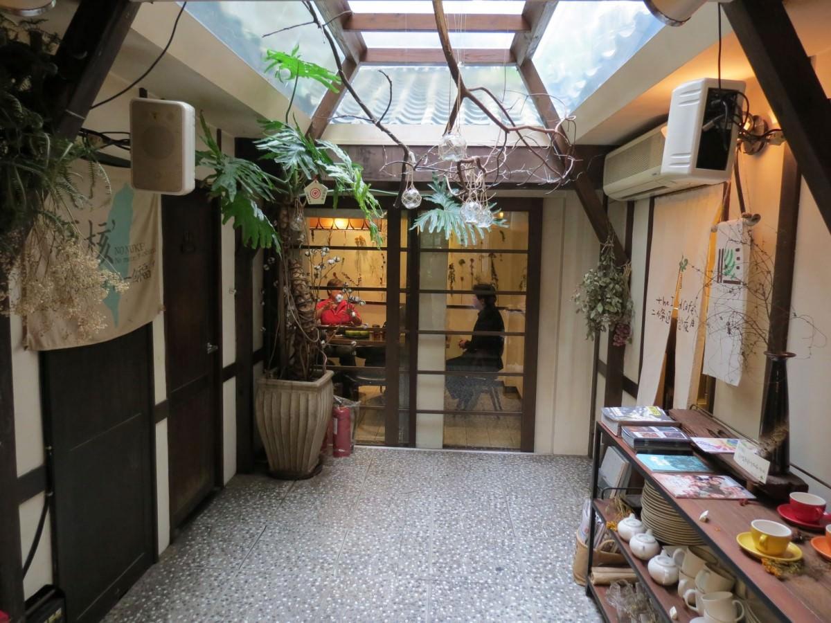 二條通‧綠島小夜曲咖啡廳, 裝潢