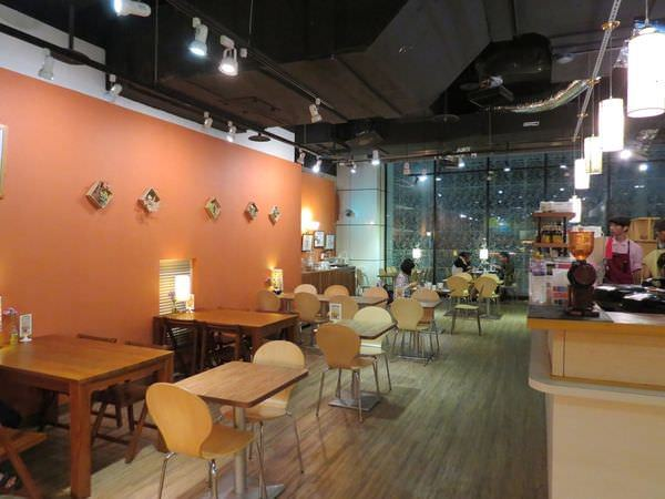 高仰三蔬食@南港店, 餐廳環境, 用餐環境