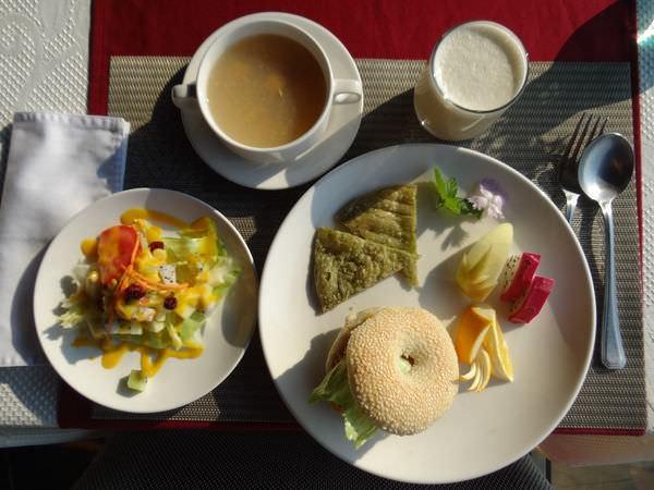 日光海岸, 餐點, 早餐