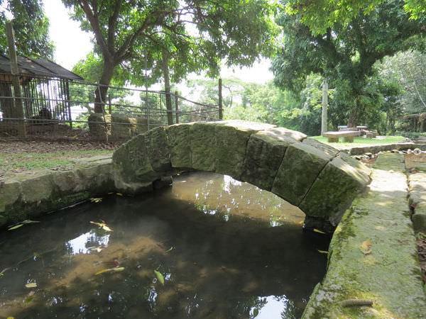 仙湖休閒農場, 環境, 石拱橋