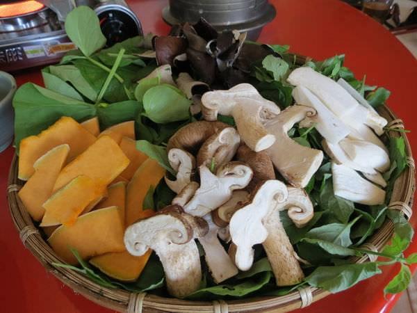 仙湖休閒農場, 餐點, 山菜涮涮鍋