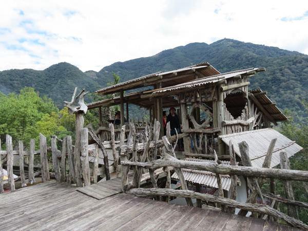 比亞外部落, 桃園縣, 復興鄉, 木造涼亭餐廳