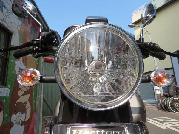 哈特佛(HartFord), 灰狼 150 Fi, 車頭燈