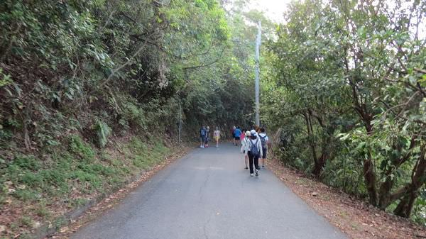 龜山島之旅, 龍潭湖