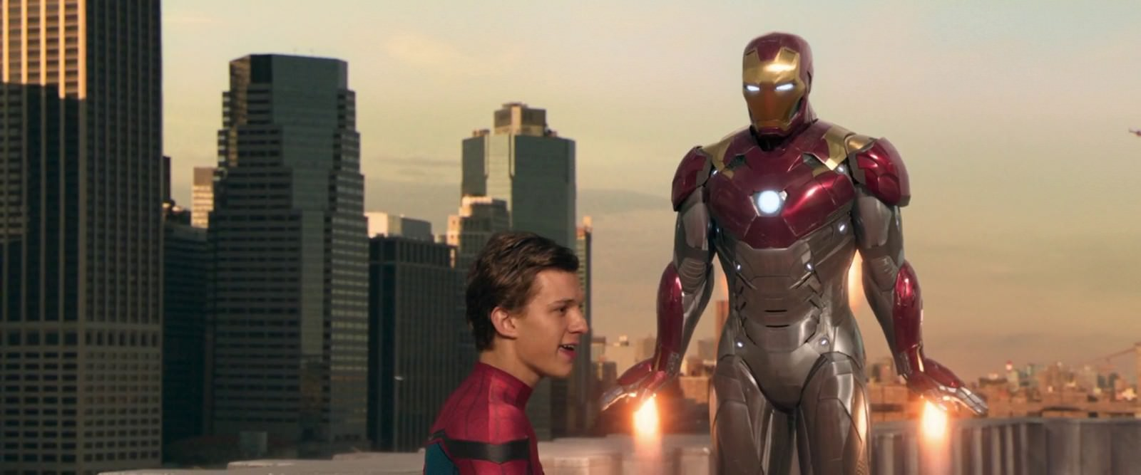Movie, Spider-Man: Homecoming(美國, 2017年) / 蜘蛛人:返校日(台灣) / 蜘蛛侠:英雄归来(中國) / 蜘蛛俠:強勢回歸(香港), 電影劇照, 鋼鐵人套裝介紹