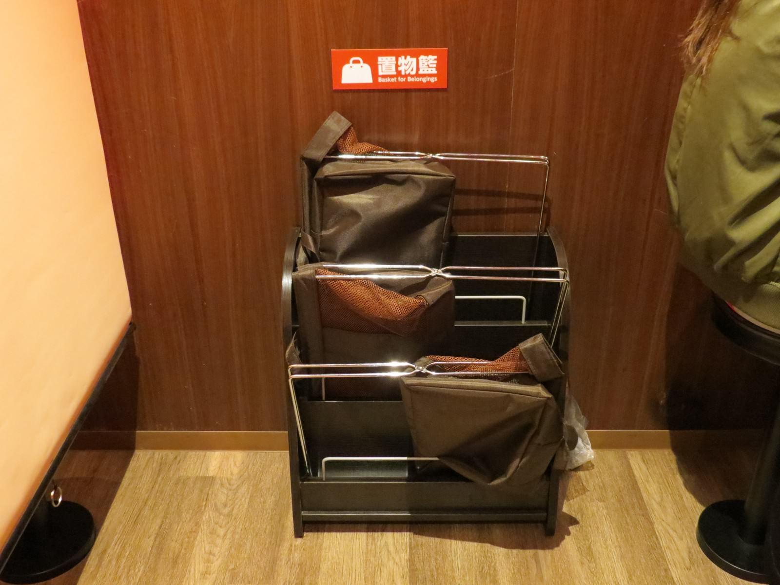 天然豚骨拉麵專門店一蘭@台灣台北本店, 裝潢佈置