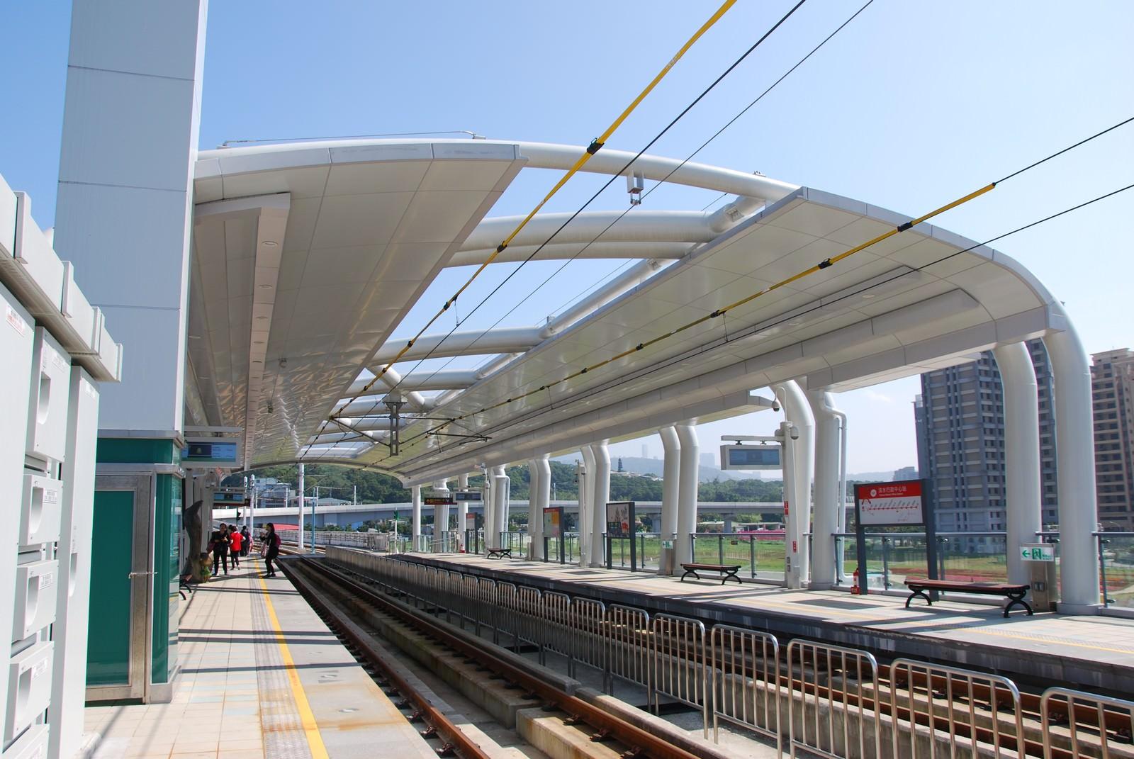 淡海輕軌綠山線, 輕軌淡水行政中心站, 月台