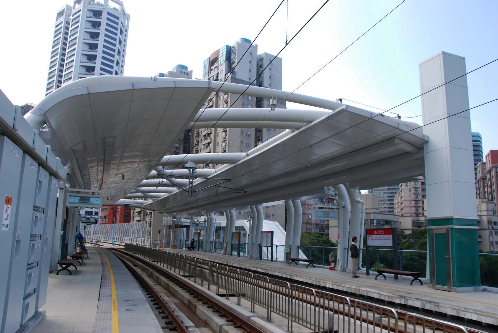 淡海輕軌綠山線, 輕軌竿蓁林站, 月台